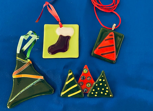 """""""Holiday Fused Glass""""  Saturday November 7, 2020 10:00am - 5:00pm  Part 1 of 2)"""