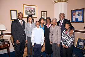 Clyburn_family_Whip's_Office_2007.jpg