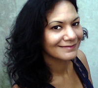 Larissa headshot Sept 2013.jpg