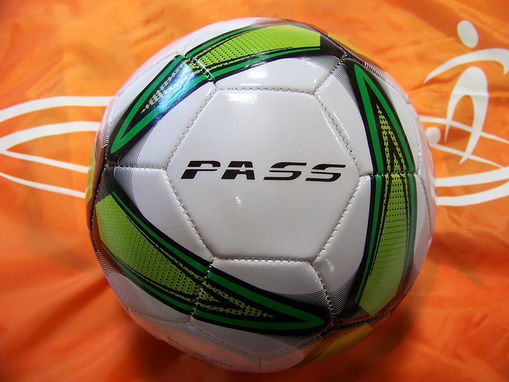 """5 CT – Machine Sewn Soccer Balls. Official Sizes & Weights. FREE 6"""" PUMP"""