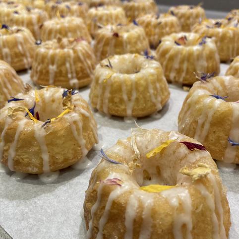 Kate's Kakes Lemon Drizzle Mini Bunt Cak