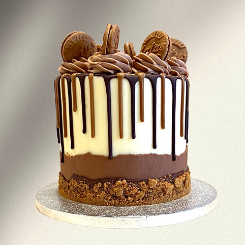 Kate's Kakes Chocolate & Biscoff Cake
