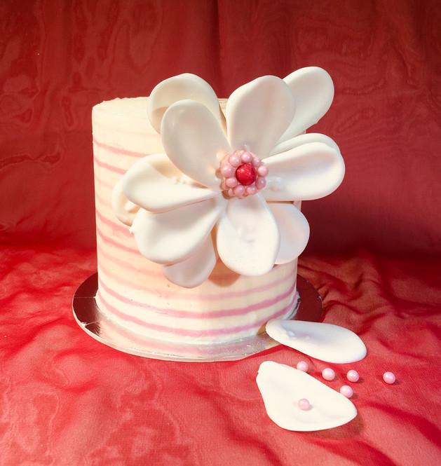 Kates Kakes Mini Chocolate Flower Cake!