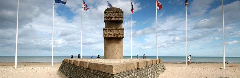 Bernieres-sur-mer-monument-debarquement.