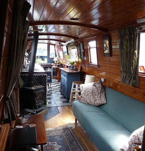 Narrowboat Dindi interior