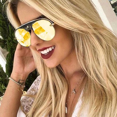 Thalía Gold Carey