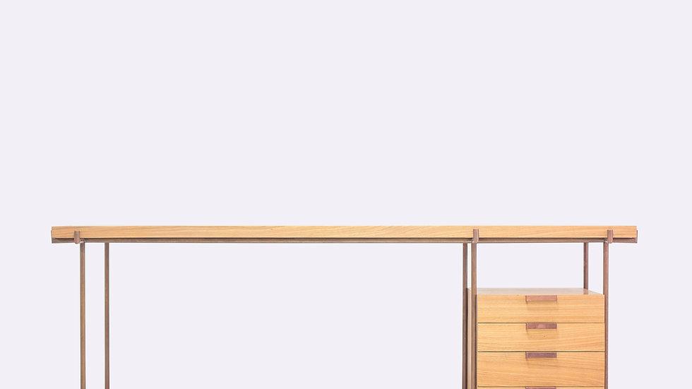 Escrivaninha com gaveteiro Marajoara