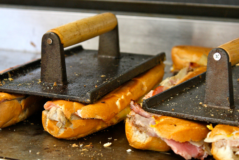 Toast cuban sandwich