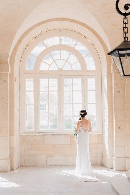 Portrait de la mariée le jour de son mariage au Luxembourg, juste avant la cérémonie civile