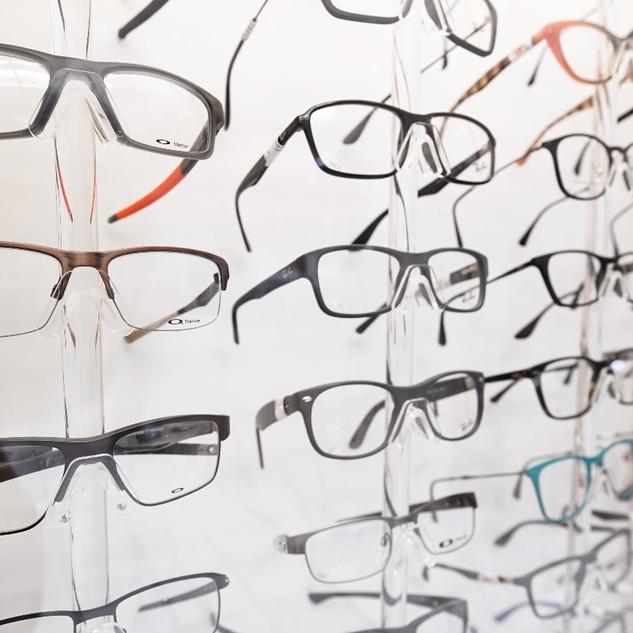 Adaptación de lentes y contactos