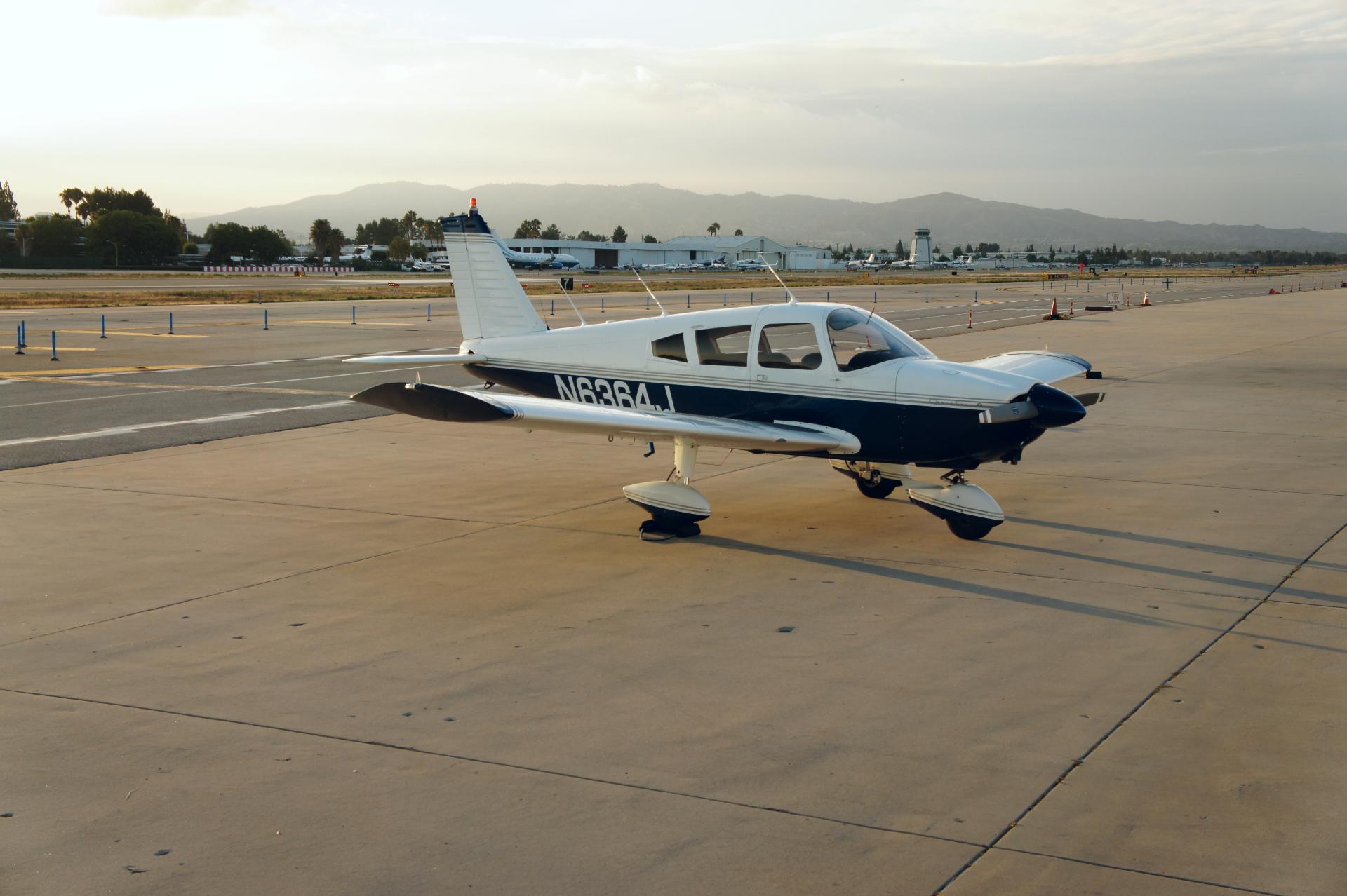 Piper PA-28-180