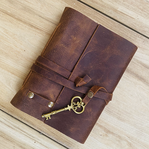 Oil- Pull-Up Leather Journal with string and key closure (Unlined)