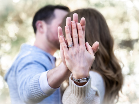 10 Easy Engagement Poses/Advice