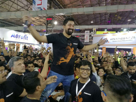 Round Neck tshirt manufacturer in Mumbai
