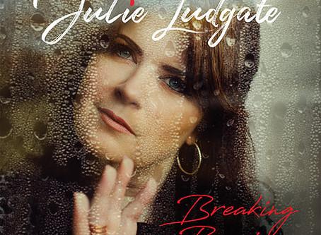 Treble Review: Julie Ludgate – 'Fighter'