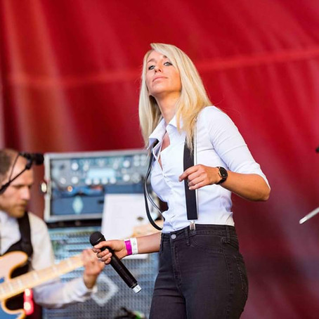 Treble Review - Bianca Hauert 'Daneben Benehmen' Single
