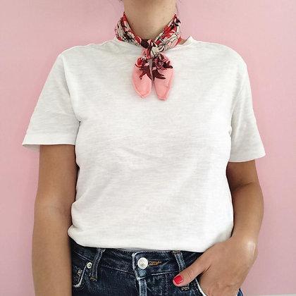 Pañuelo Flores Rosado 50X50