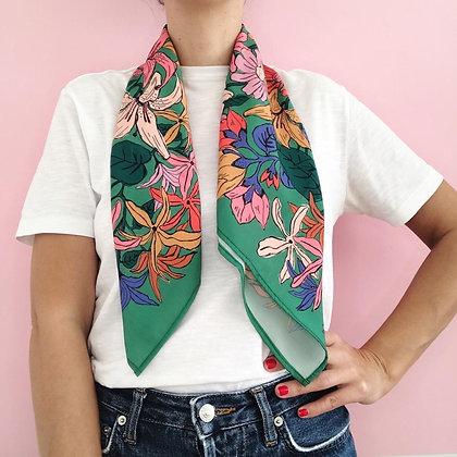 Pañuelo Flores Verde 70X70