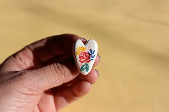 Prendedor Corazón Blanco/Flores