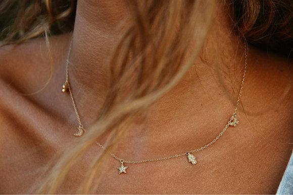 Collar Amuletos Gold