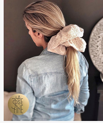 Scrunchie Maxi Bordado Rosa