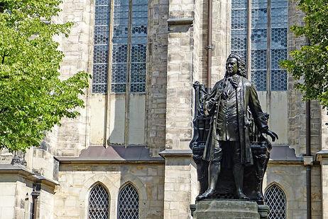 statue-1415079_1920.jpg