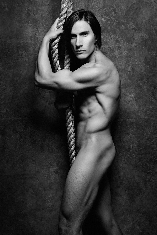 Krystyna_Varanka_Human-Body 4