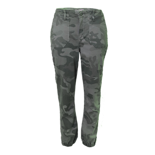 camo%20pants%20front_edited.png
