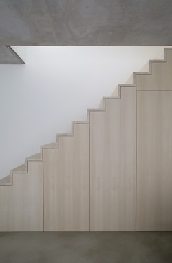 19_GOLD_F_Treppe frontal