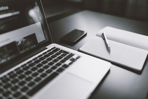 iphone-notebook-pen-working-34088.jpg