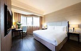 Hotel Elizabeth_Premier Room.jpg