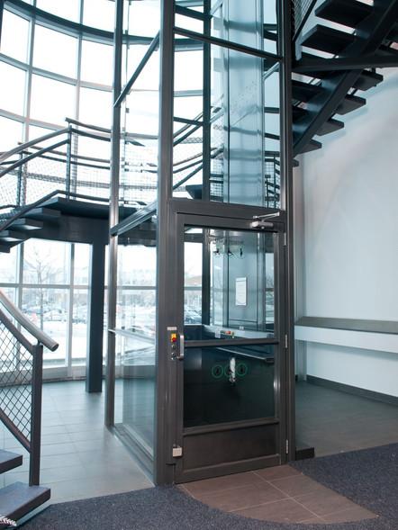 Home Handi-Cap Lift Glass Hoistway