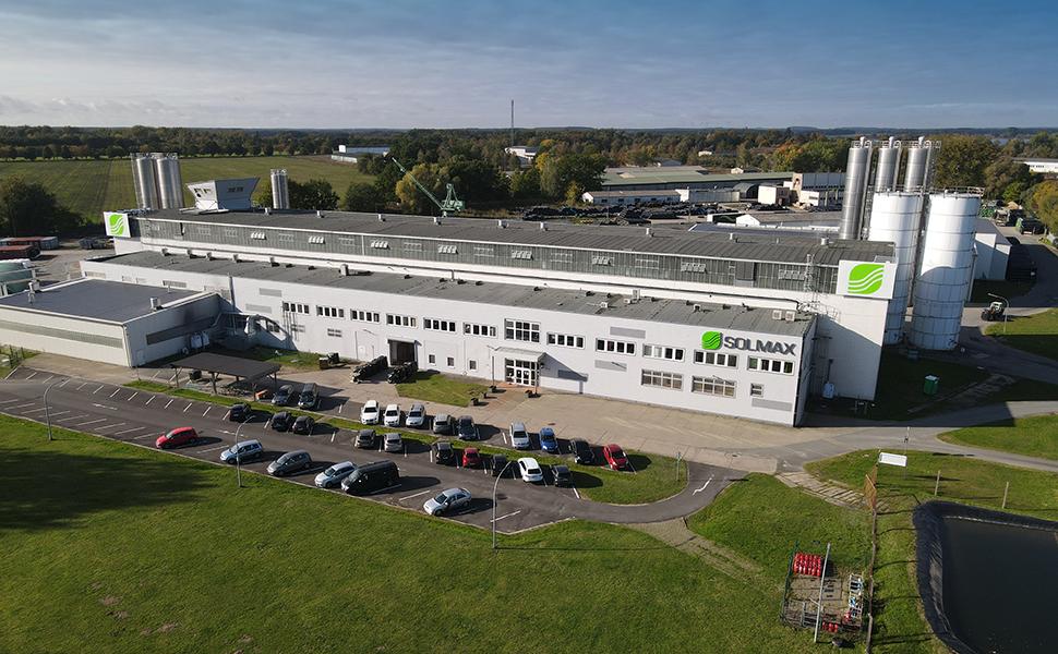 Solmax erweitert Profile-Produktionslinie in deutschem Werk für Geokunststoffe in Rechlin.