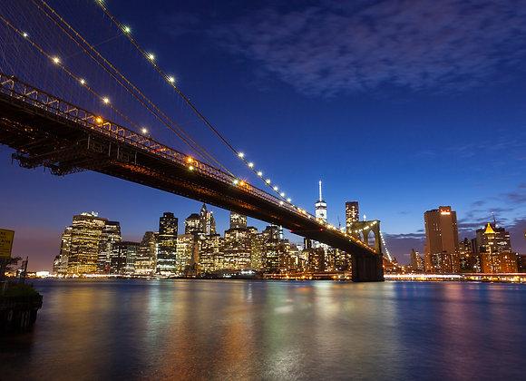 גשר בלילה