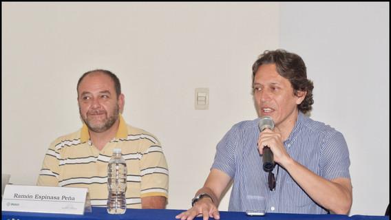 Dr. Ramón Espinaza y Mtro. Ricardo Cabrera, iniciando la sesión del 26 de julio del presente.