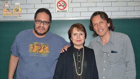 (Izq) Arqueólgo David Jesús Arreola Gutiérrez, Dra. Margarita Loera Chávez y Peniche, y (Der) Mtro. Evian Ricardo Cabrera.