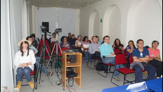 Público en general en la DEH-INAH. Sala de Usos Múltiples.