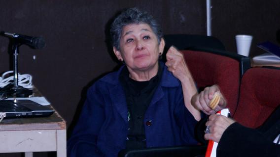 Dra. Beatriz Albores explicando la etnografía moderna y el papel que juega en la interpretación que existen entre las fiestas católicas actuales y los antiguos calendarios de veintenas en relación a la siembra del maíz, el cuto al agua y al monte.