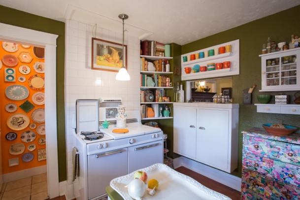707 W Willetta kitchen 3.jpeg