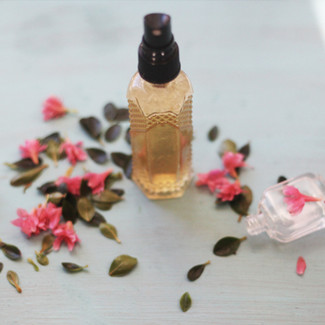 Face Hydrating Mist: A DAILY MOISTURIZING ESSENTIAL