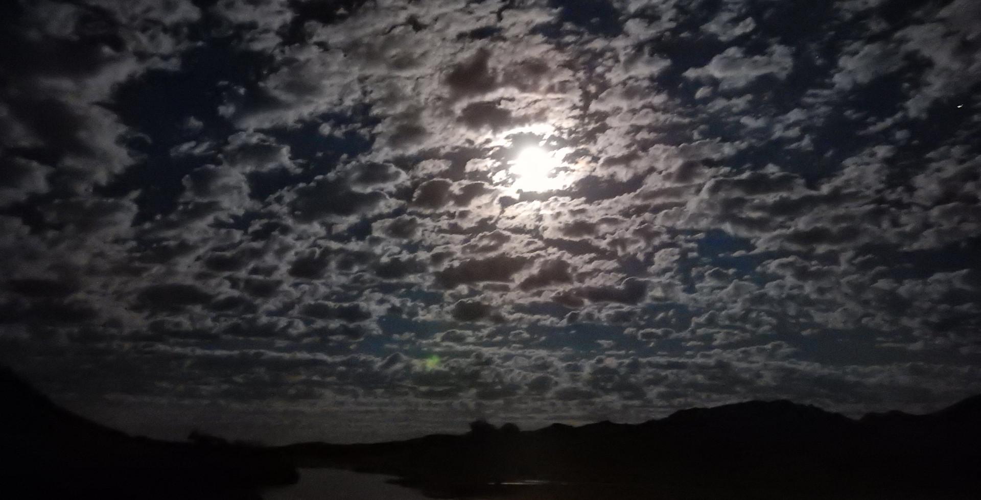 Rivière au clair de lune