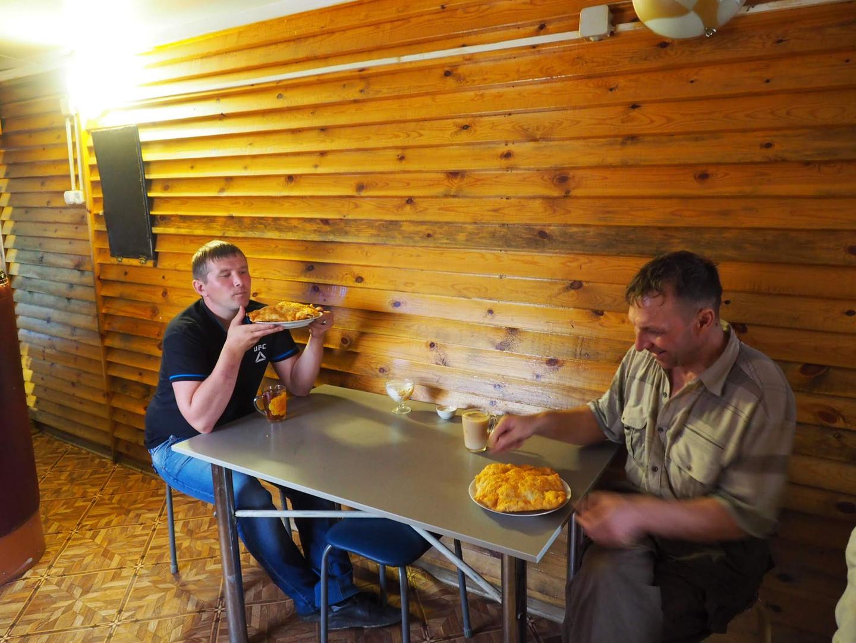 Les fameux beignets à la viande, en guise de petit déjeuner