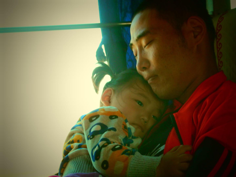 Petite fille, dans le bus