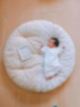赤ちゃん産まれたら 絶対に使いたいと思っていた せんべい座布団  2月産まれのベビさん 早速ゴロン  毎日凄い勢いで成長中 毎月月齢フォト撮影して 母さんはあなたの成長をしっかりと 感じたいと思います
