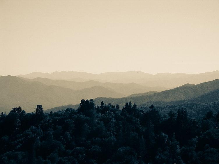 smoky-mountains-969223_1920 (2).jpg