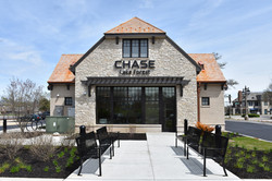 Lake Forest Branch Exterior