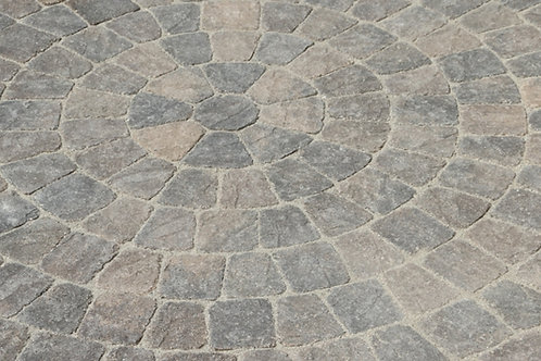Pietra Circle