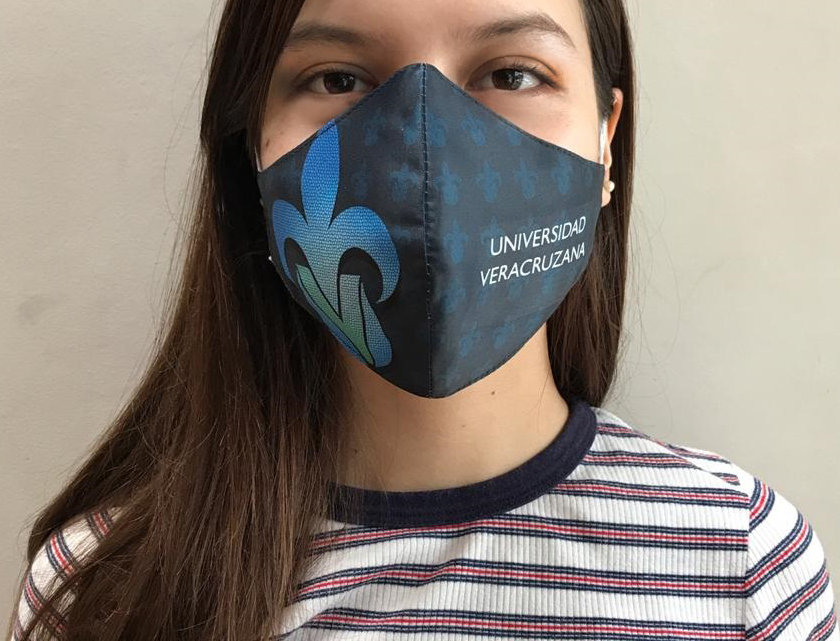 Cubrebocas tricapa sublimado de tela tejida vitral UV