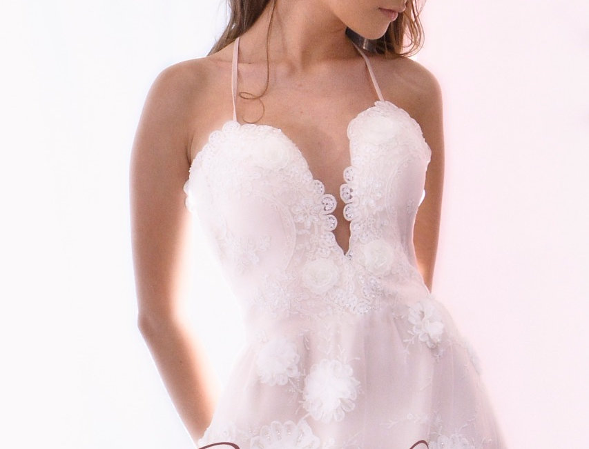 Vestido Novia en tul con bordado 3D con fondo en shifon durazno
