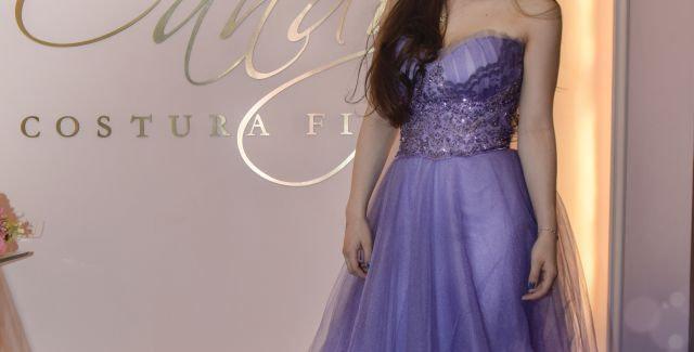 Vestido en tules lavanda con talle tipo bustier bordado en tul lila